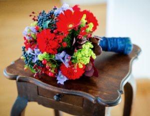 Brautstrauss Herbst blau rot